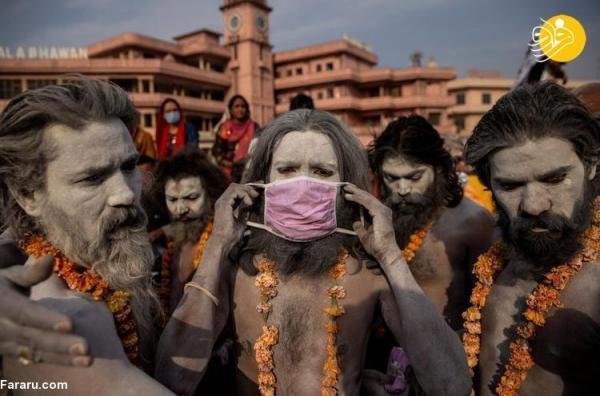 (تصاویر) غسل دسته جمعی هزاران هندو در سایه کرونا